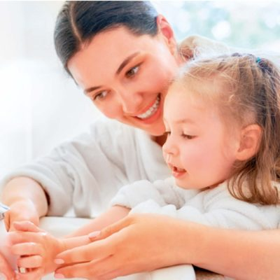 håndhygiejne mor og datter